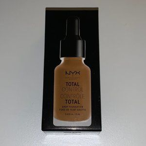 NYX Total Control Foundation 16.5